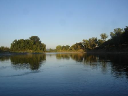 The Sacramento River at Colusa a short walk from Jay House