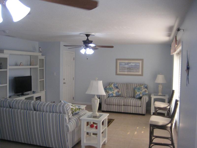 2 bedroom condo, Coquina Key, Tampa Bay, Florida, vacation rental in St. Petersburg