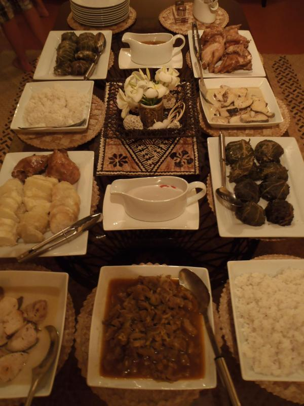 Our Fijian Feast prepared by our local Staff (photo: Special Event Fijian Feast )