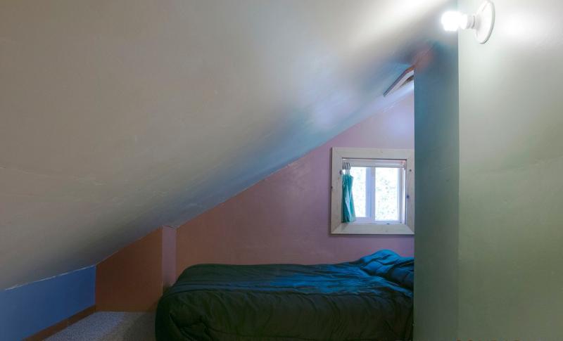 cubby hole room
