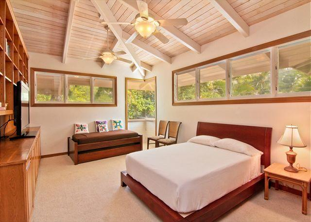 Main House - Keiki Master Suite