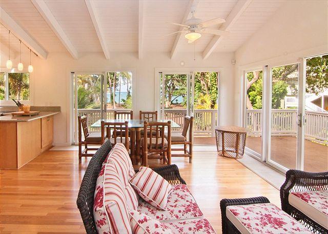 Cottage - Dining/Livingroom