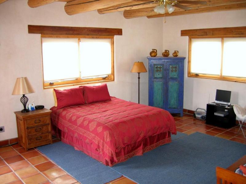 Casita, Taos Ski Valley, Taos, Arroyo Seco, NM, vacation rental in Arroyo Seco