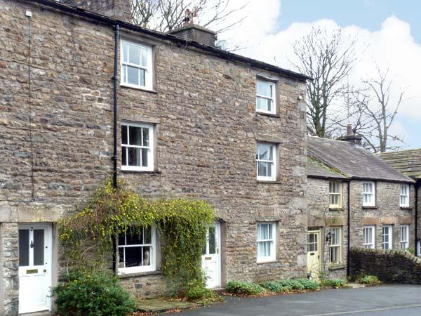 SETTLEBECK COTTAGE, family friendly, character holiday cottage in Sedbergh, Ref, holiday rental in Yorkshire Dales National Park