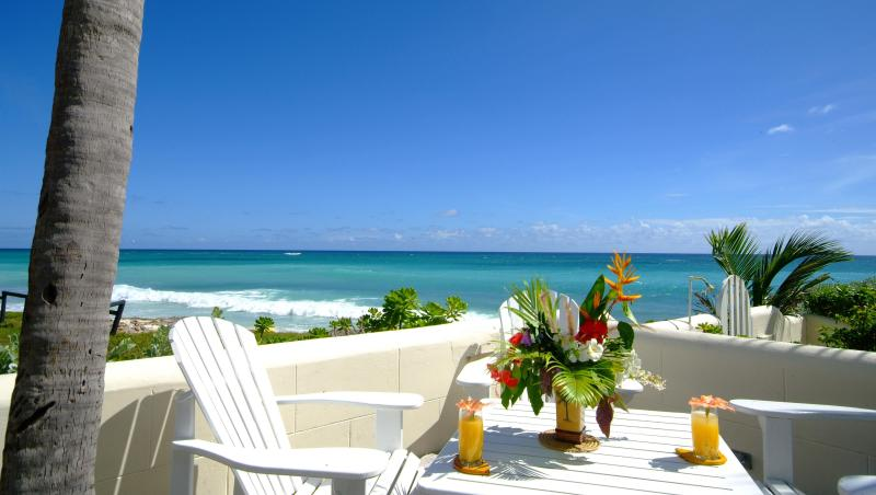 Ocean front deck at House Seaside