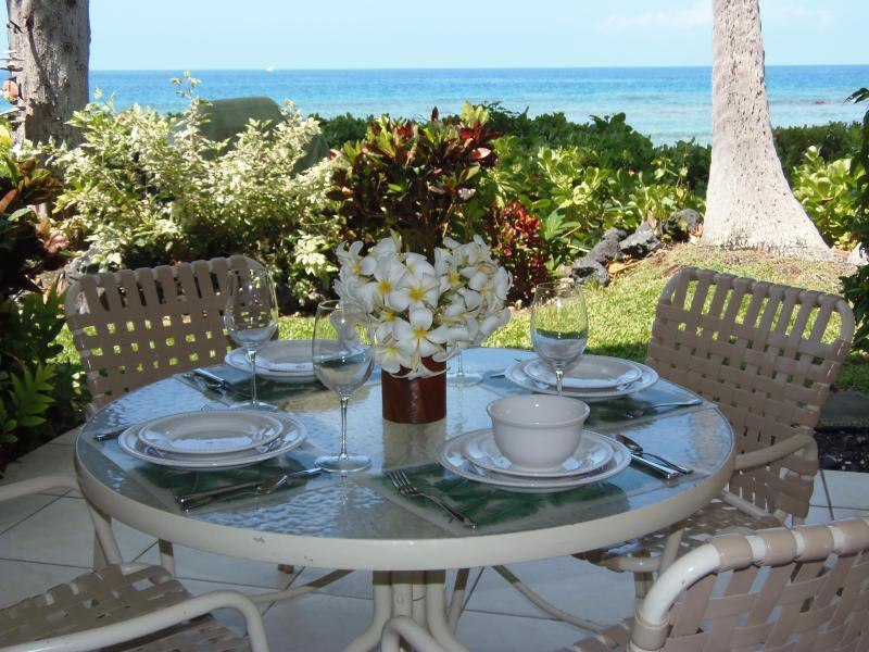 Lanai overlooking ocean, just steps away from the beach!