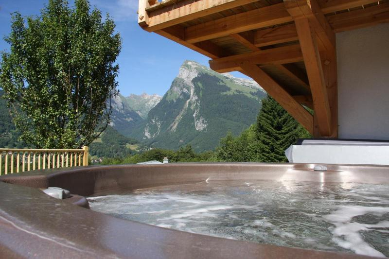 Relax in the hot tub with amazing view of the Giffre Valley