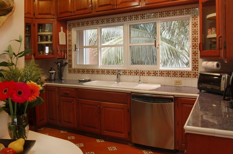 Cómoda cocina, totalmente equipada, estufa de gas.