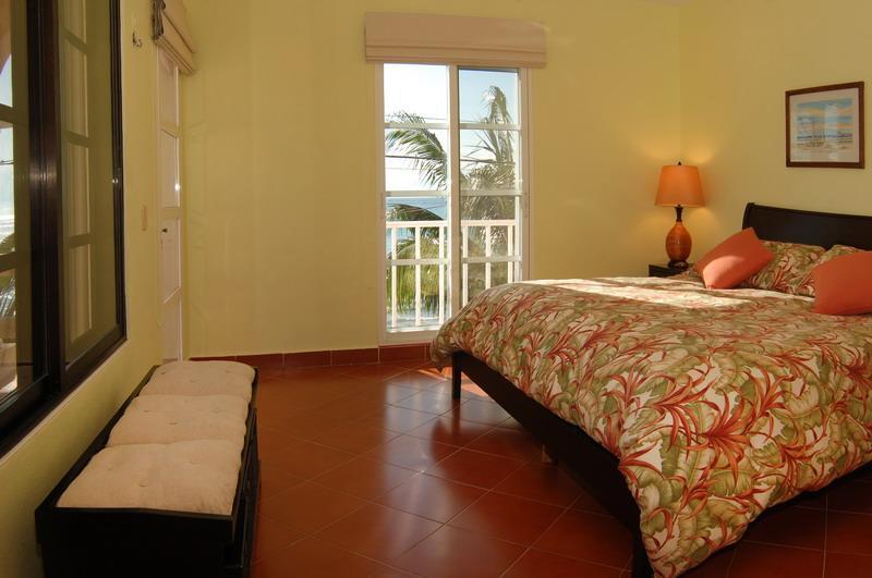 Master dormitorio norte, rey, vista mar, entrada privada.