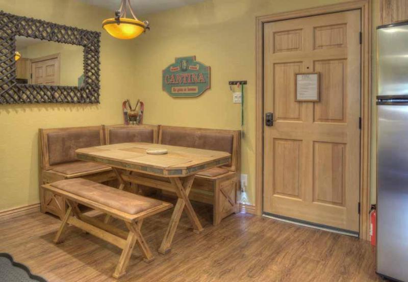Nieuwe diner kamer gemakkelijk ontvangt 6