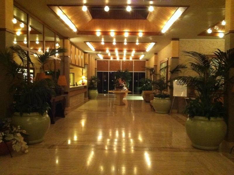 Lobby open 24 hours @ The Whaler on Kaanapali Beach