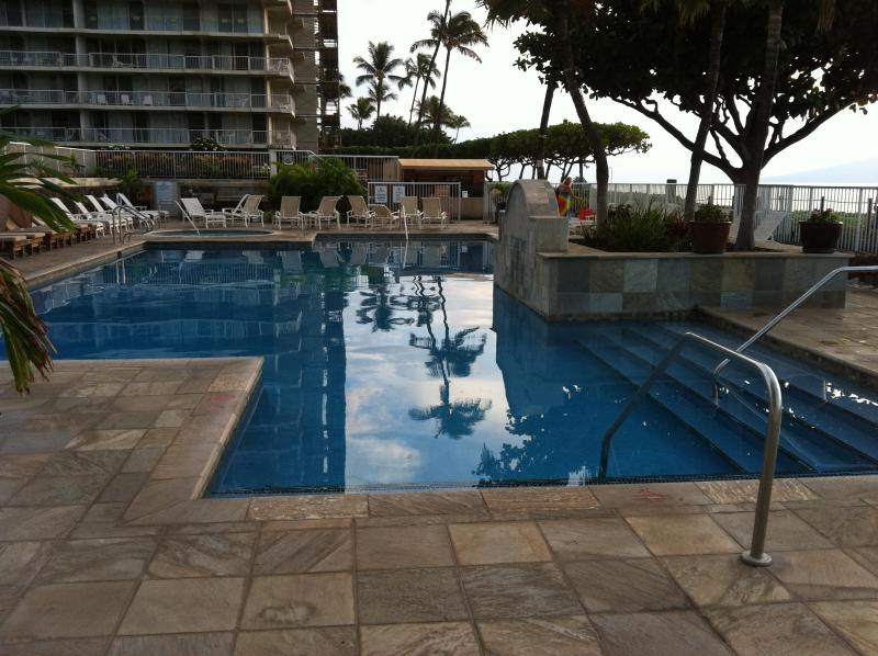 Whaler on Kaanapali Beach Vacation Condo Rental, Oceanfront Swimming Pool