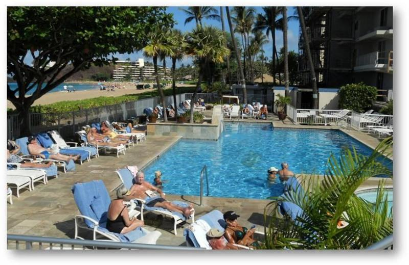 Oceanfront Pool & Jacuzzi at The Whaler on Kaanapali Beach Vacation Condo for Rent