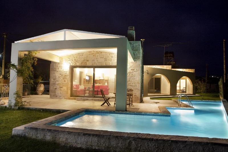 Villa Thalia, holiday rental in Manoliopoulo