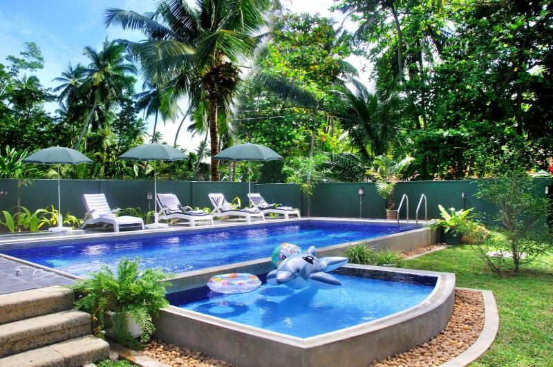 Hikka Villa - your holiday home with swimming pool, vacation rental in Hikkaduwa