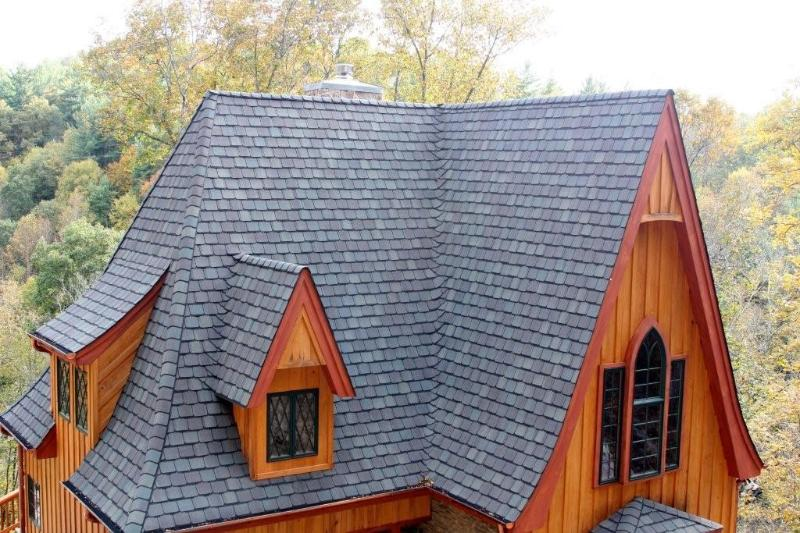 A roof line look that fits in perfectly with its natural surrounding