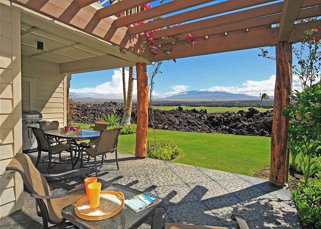 Lanai with seating for six