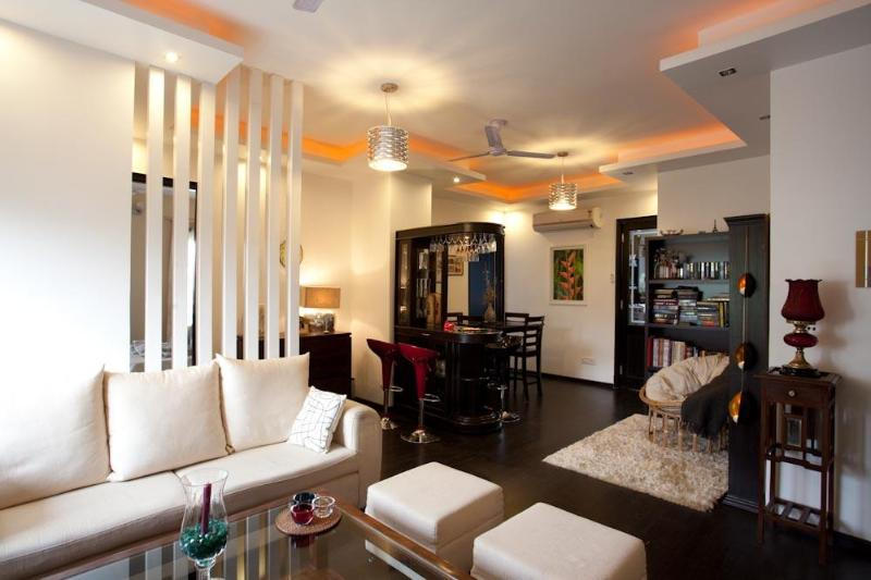 Designer Serviced Apartment for Rent-Central Delhi, vacation rental in Sahibabad