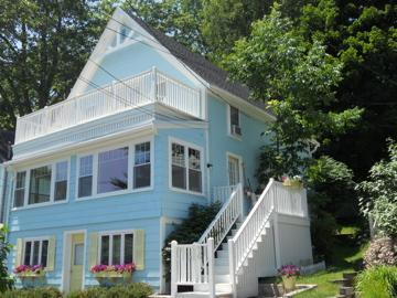 Portland Area Cottage w/OCEAN VIEWS ~ pet friendly, holiday rental in Long Island