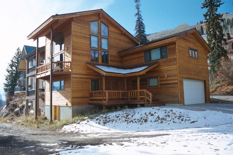 Purgatory Resort home - 2 min. walk to ski/plaza, holiday rental in Durango