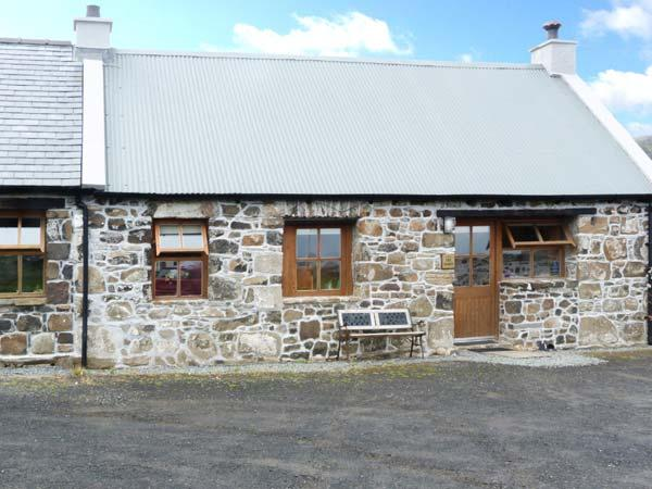 THE BARN, pet friendly in Staffin, Isle Of Skye, Ref 5690, holiday rental in Kilmaluag