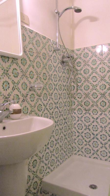2nd floor - The bathroom