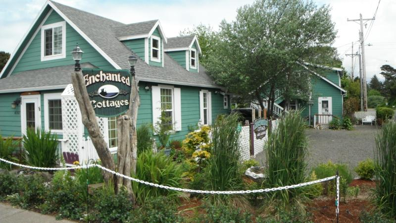 Enchanted Cottages, Serendipity