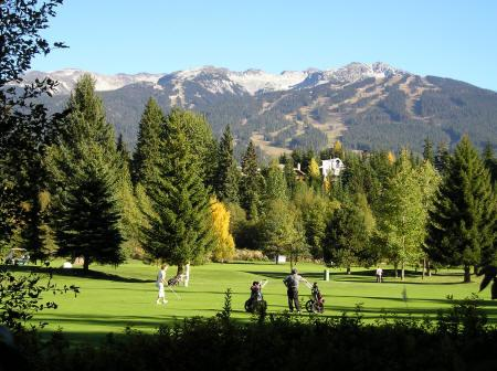 Golf course 5 mins away.