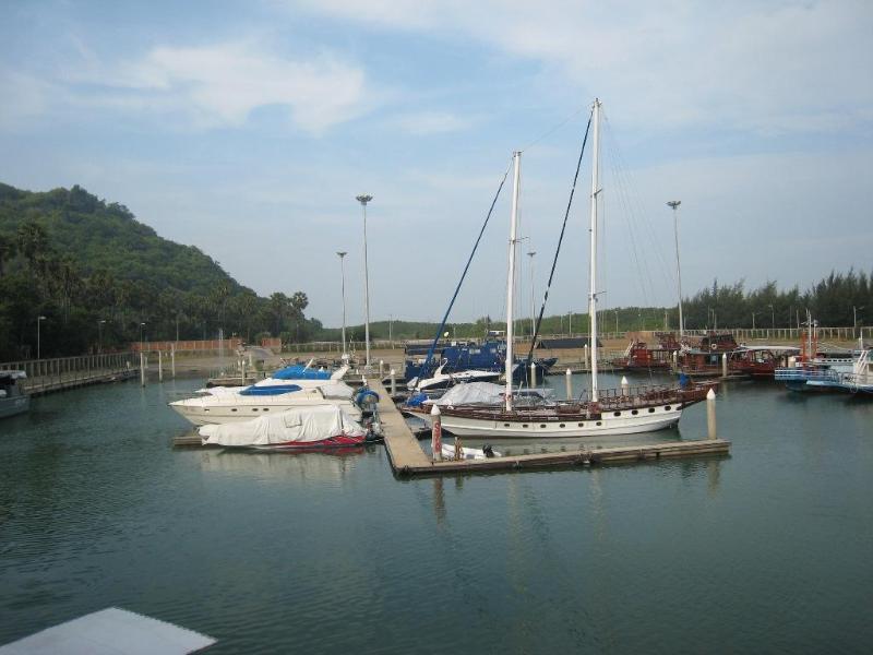 Patra Marina 10 km from the villa