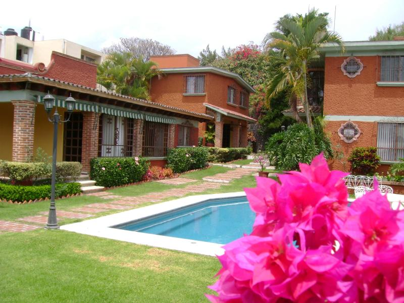 4 bed roomsVillas 'La Pradera' w/beautiful Garden and Pool, casa vacanza a Malinalco