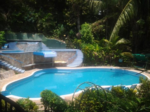 Villa has 3 pools, 2 waterfalls