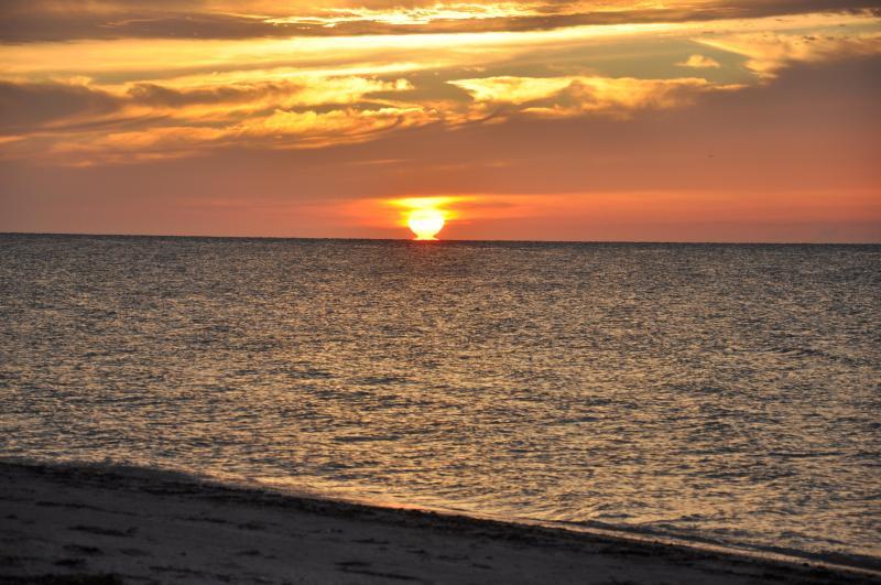puesta de sol en el 18 de junio de, 2012