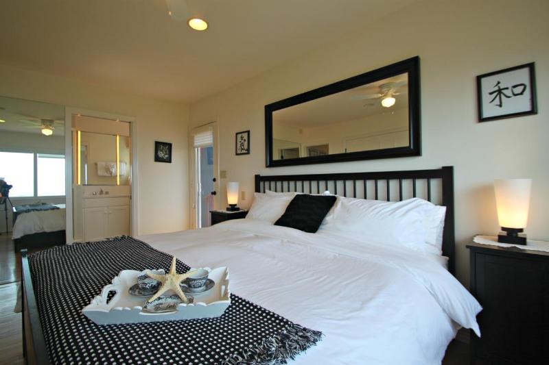 Chambre des maîtres avec King bed.