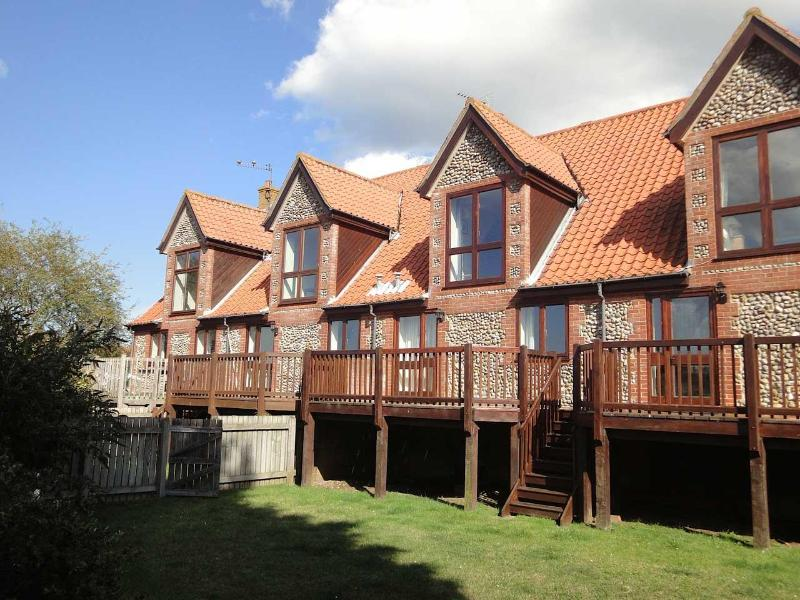 Rear of 3, The Saltings