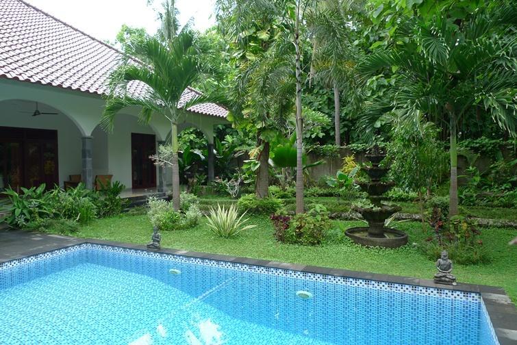Villa Kelapa Lovina Bali Has Hot Tub And Cable Satellite Tv Updated 2021 Tripadvisor Lovina Beach Vacation Rental