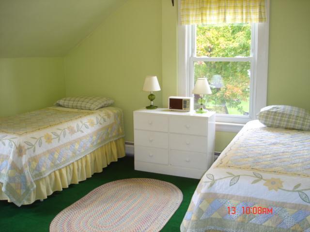 Tercer piso, camas The Green Room