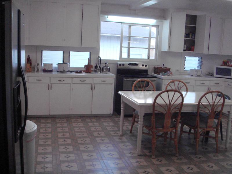 Kitchen Table,with 4 chairs