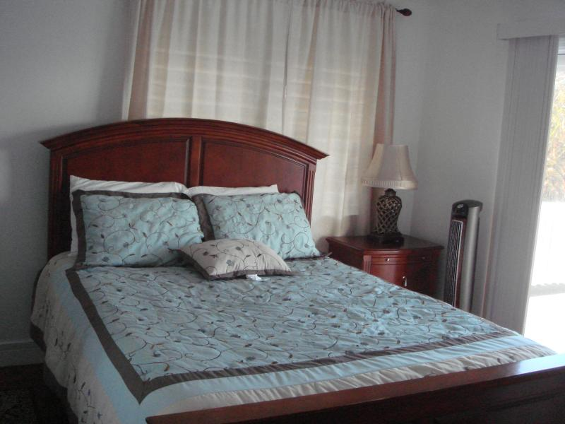 Third bedroom second floor with Queen  bed.