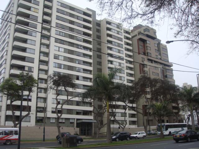 SAN ISIDRO, PERU.... .. NICE PLACE FOR RENT, location de vacances à Lima