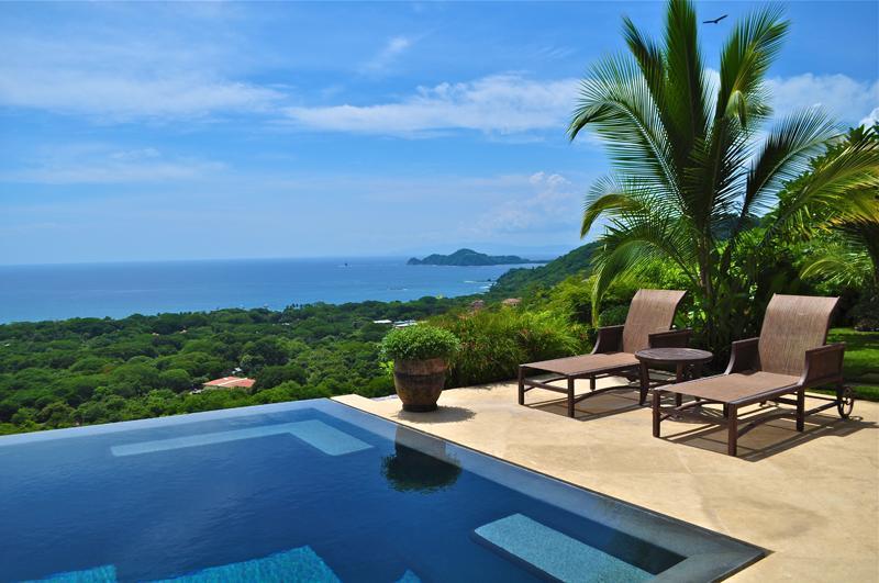 Infinity Pool   and Gulf of Papagayo