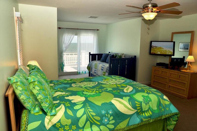 2º piso quarto de hóspedes w/cama Queen-Size & Daybed