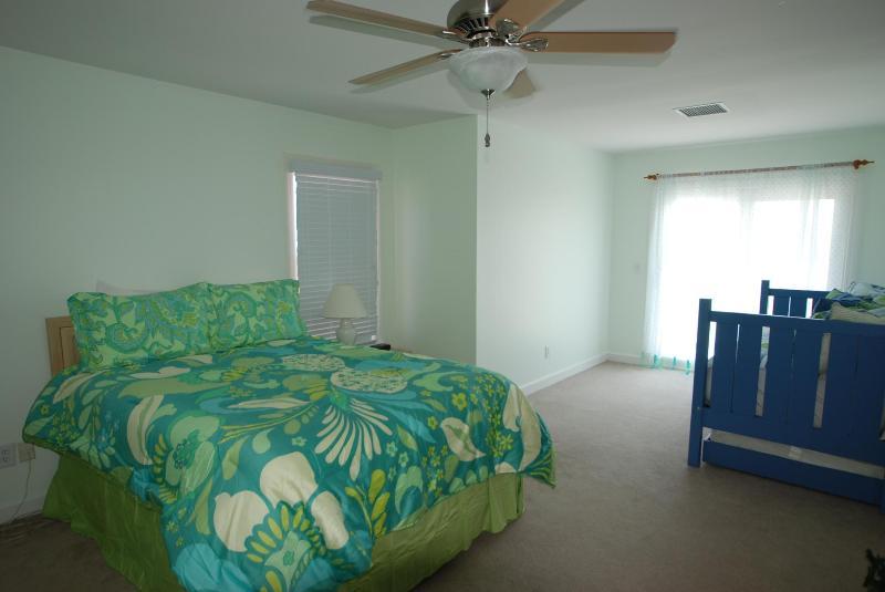 2º piso quarto de hóspedes do Ocean View w/cama Queen-Size & Daybed