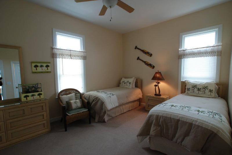 1º piso quarto de hóspedes c/2 camas de solteiro