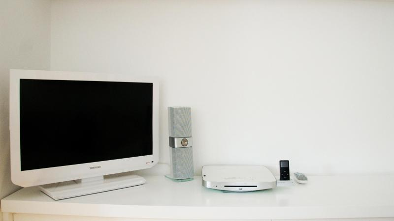 Téléviseur, DVD, stéréo