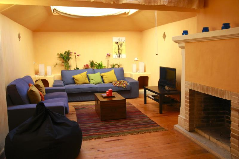 Charming house in the heart of Lisbon's old town, holiday rental in Lisbon