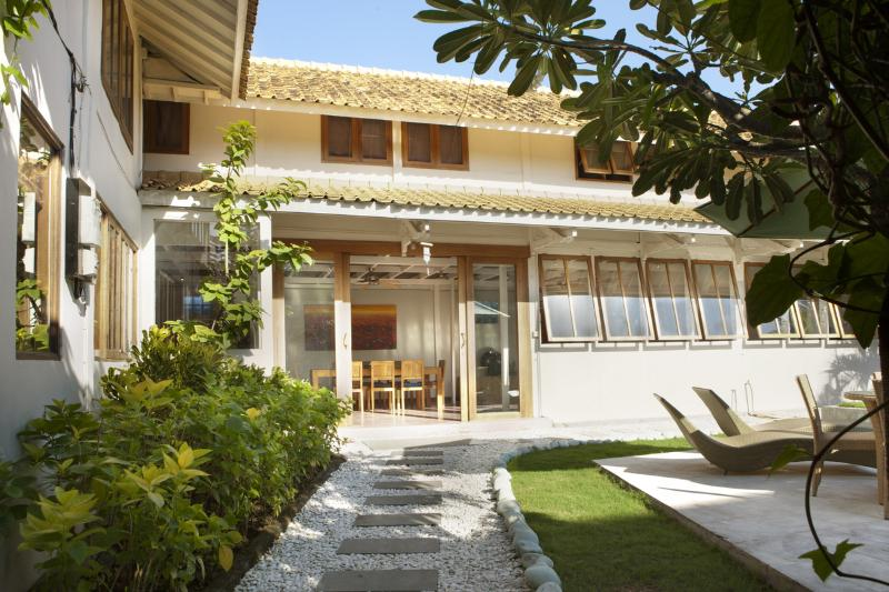Villa Entrance daytime
