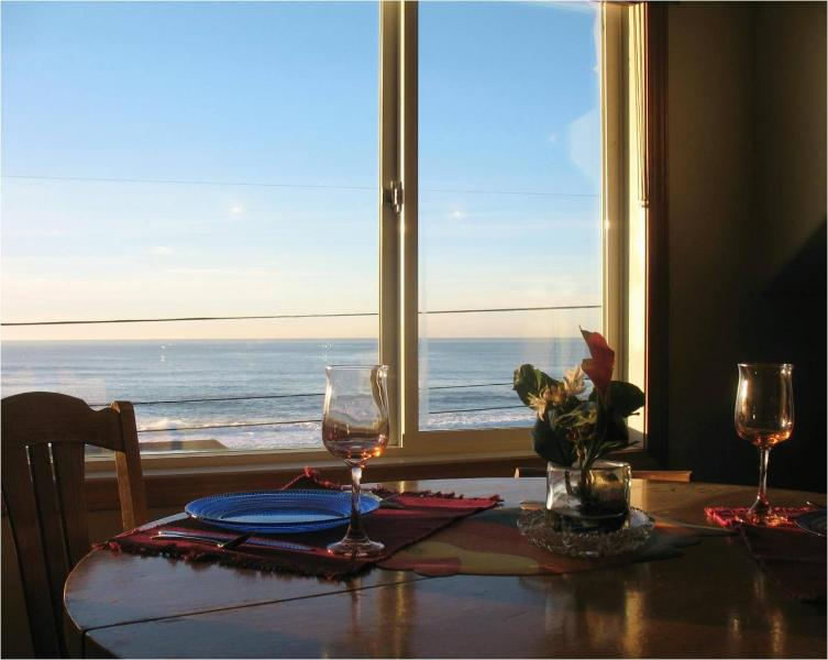 Whale Watch Suite 5 Ocean View Dining Area seats 4