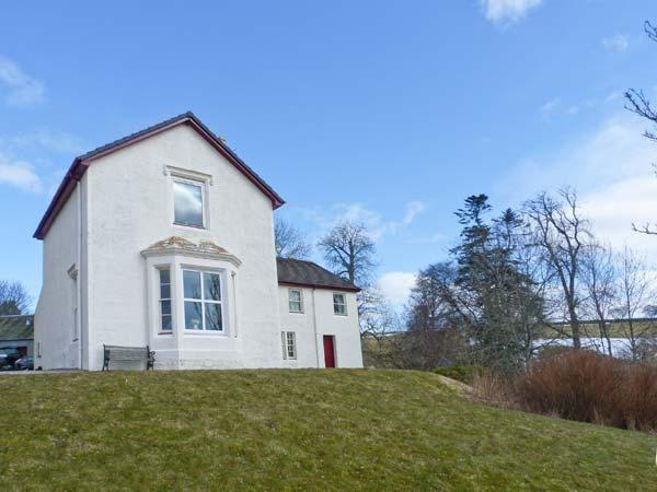 RIECHIP, pet friendly, character holiday cottage, with a garden in Dunkeld, Ref, holiday rental in Birnam