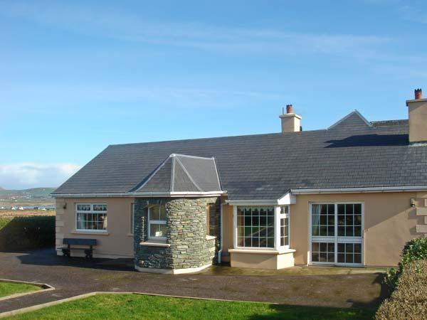 PATTY'S, pet friendly, with a garden in Portmagee, County Kerry, Ref 12155, Ferienwohnung in Ballinskelligs
