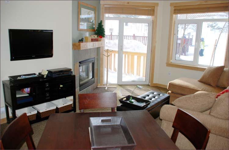 Sala de cocina (Aviso esquiador ventana exterior que entra al condominio)
